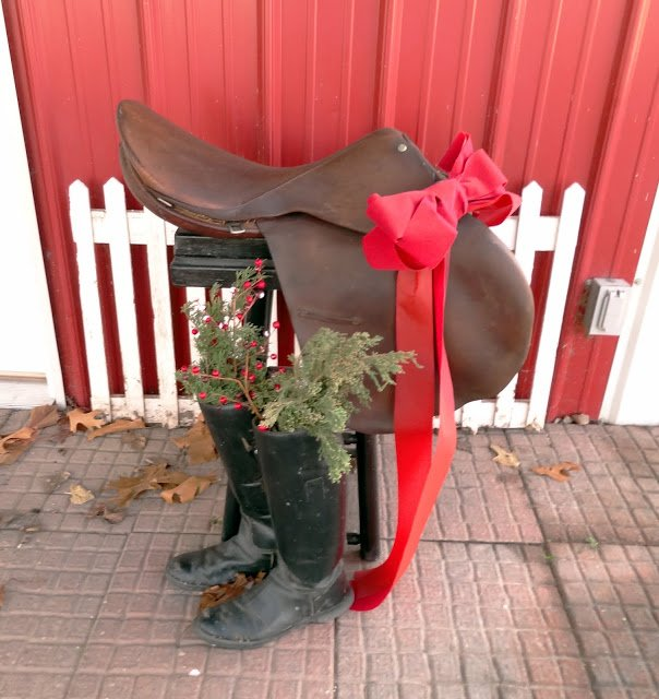 stable christmas decorations