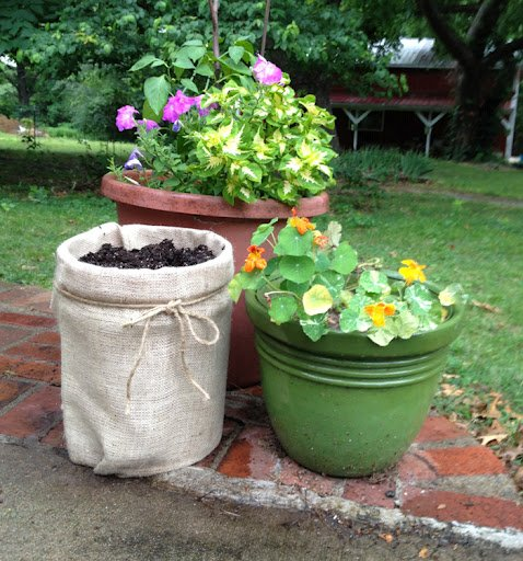 Turn a 5 Gallon Bucket to a Burlap Planter for Pennies