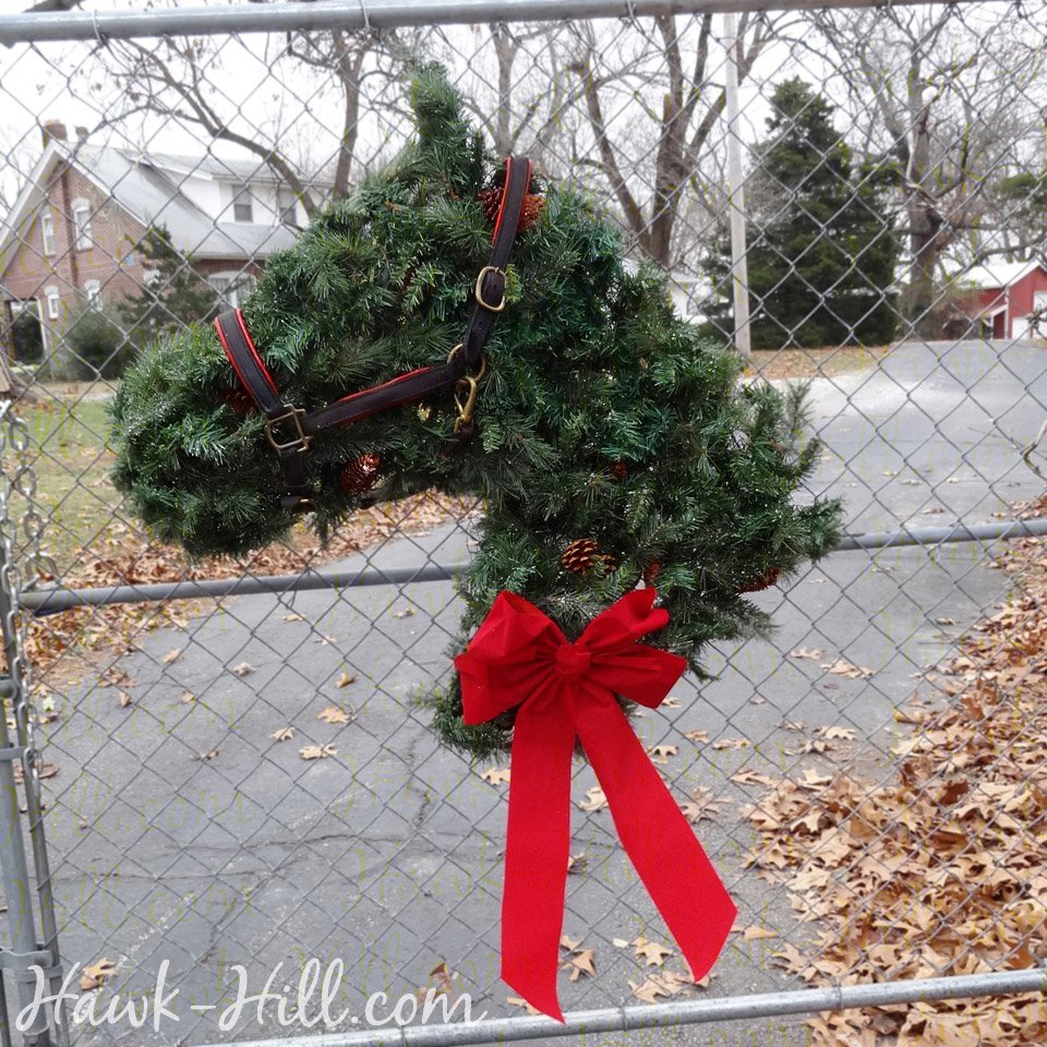 handmade horse head wreath - Horse Christmas Decorations