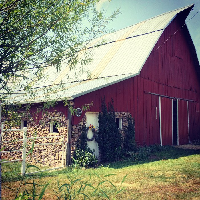 historic rock barn in carthage, MO