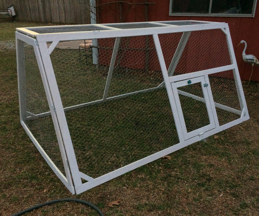 DIY lightweight chicken tractor - hawk-hill.com