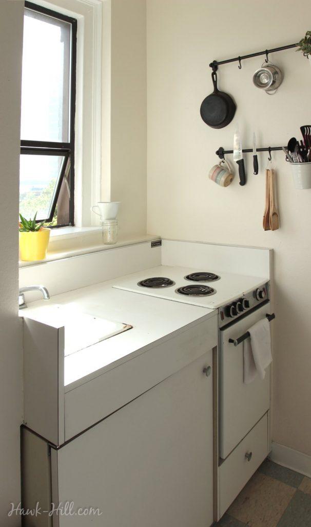 Kitchen in a Studio Apartment in Belltown Seattle