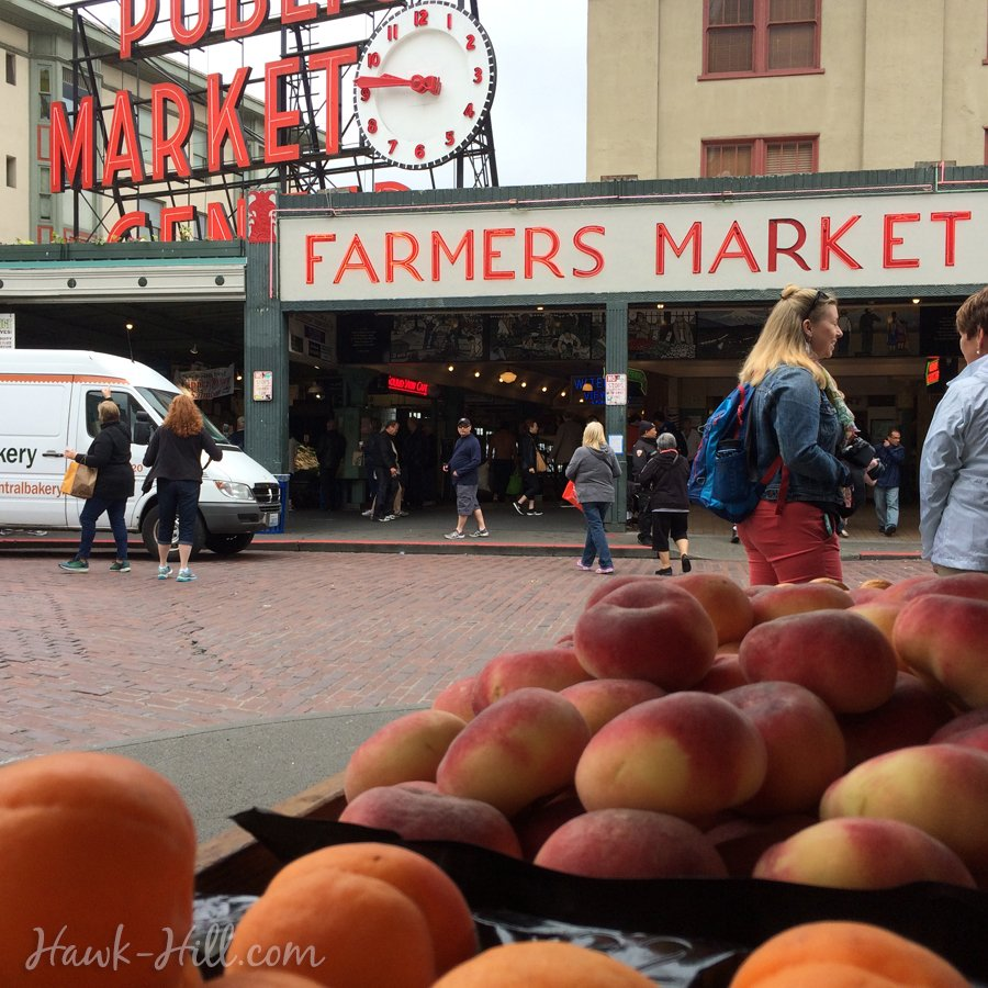 donut peaches in a grocery stall at Pike Place Market