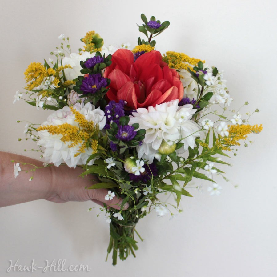 How to Wrap a Bouquet So it Doesn\'t Wilt - Pike Place Flower Market ...