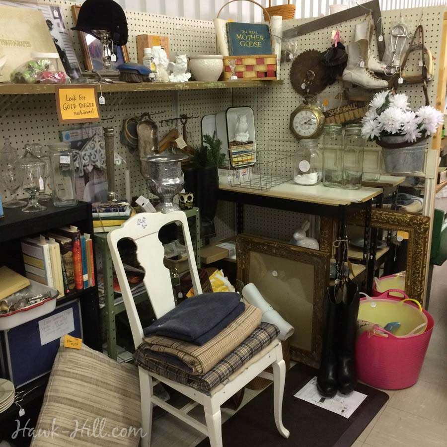 flea_market_booth_4071
