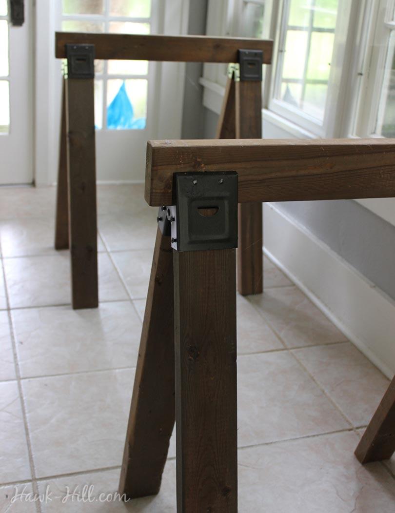 DIY nice sawhorses for indoor desk