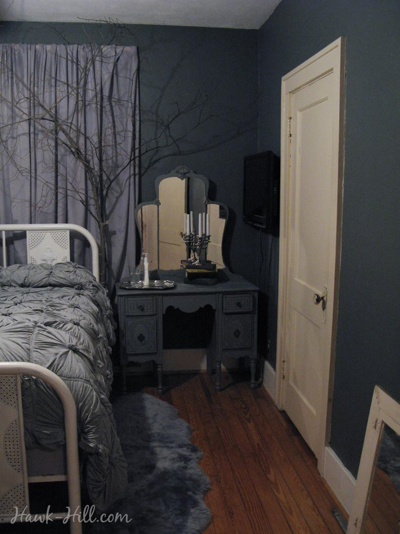 How to Style a Dramatic Bedroom using Tree Branches - Hawk Hill