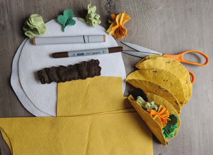 Felt taco play set under construction
