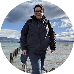 Author Lindsayanne