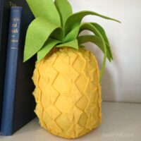 Make this DIY felt pineapple for decoration or felt food play