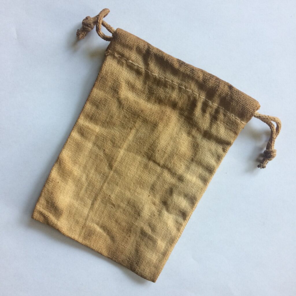 How to Dye Fabric with Tea