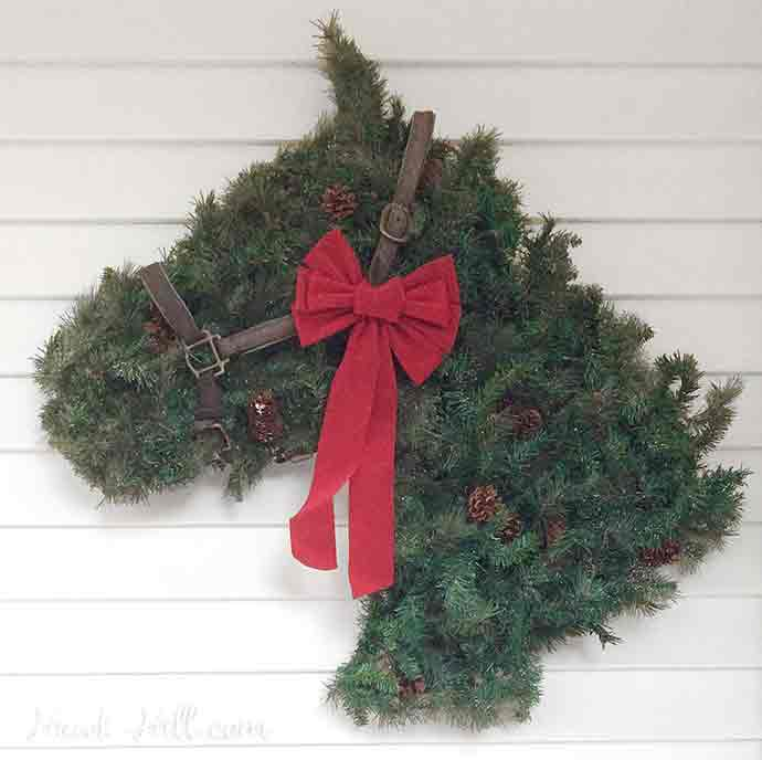 How to make your own horse head shaped wreath