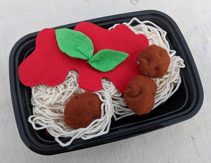 how to make a felt food spaghetti and meatballs set