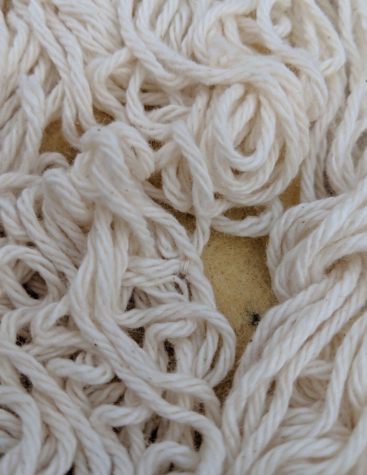 keeping play spaghetti yarn from tangling