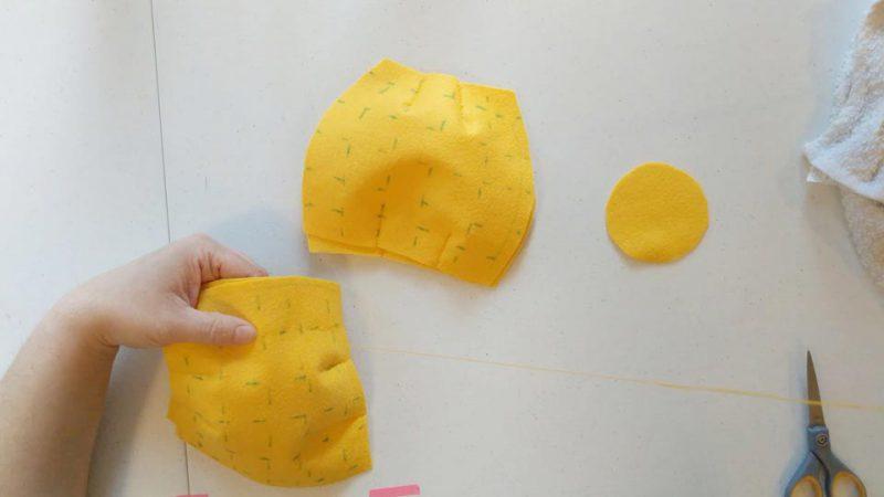 making a fancy felt pineapple using felt