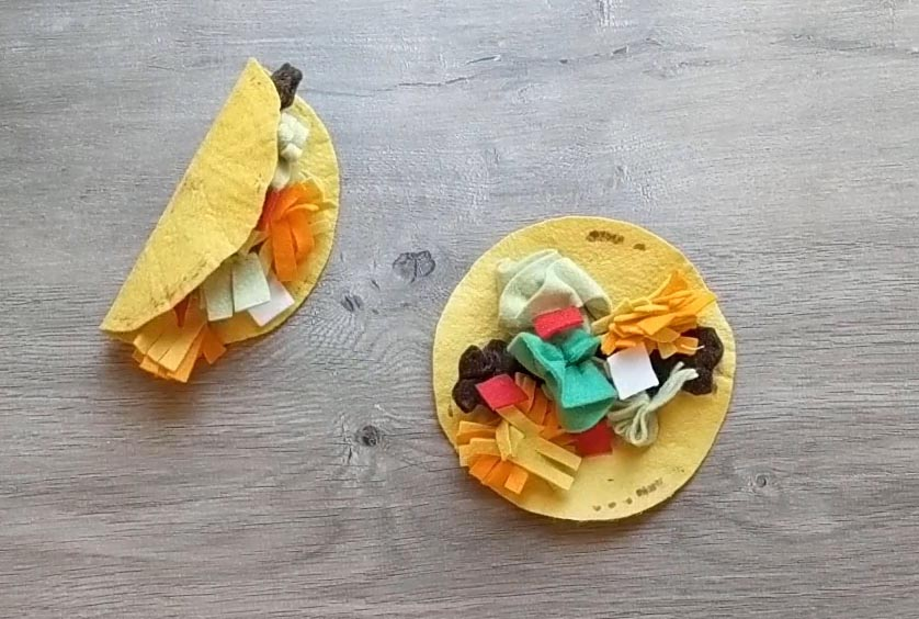Easy DIY instructions for making taco meat for a felt taco play set